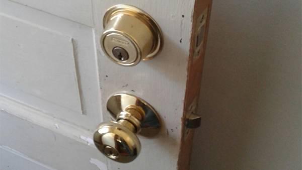 Handyman, odd job, door knob, door lock, replace, replacement
