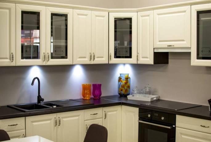 cabinet installation kenosha, install cabinets kenosha, trim installation kenosha, install trim kenosha